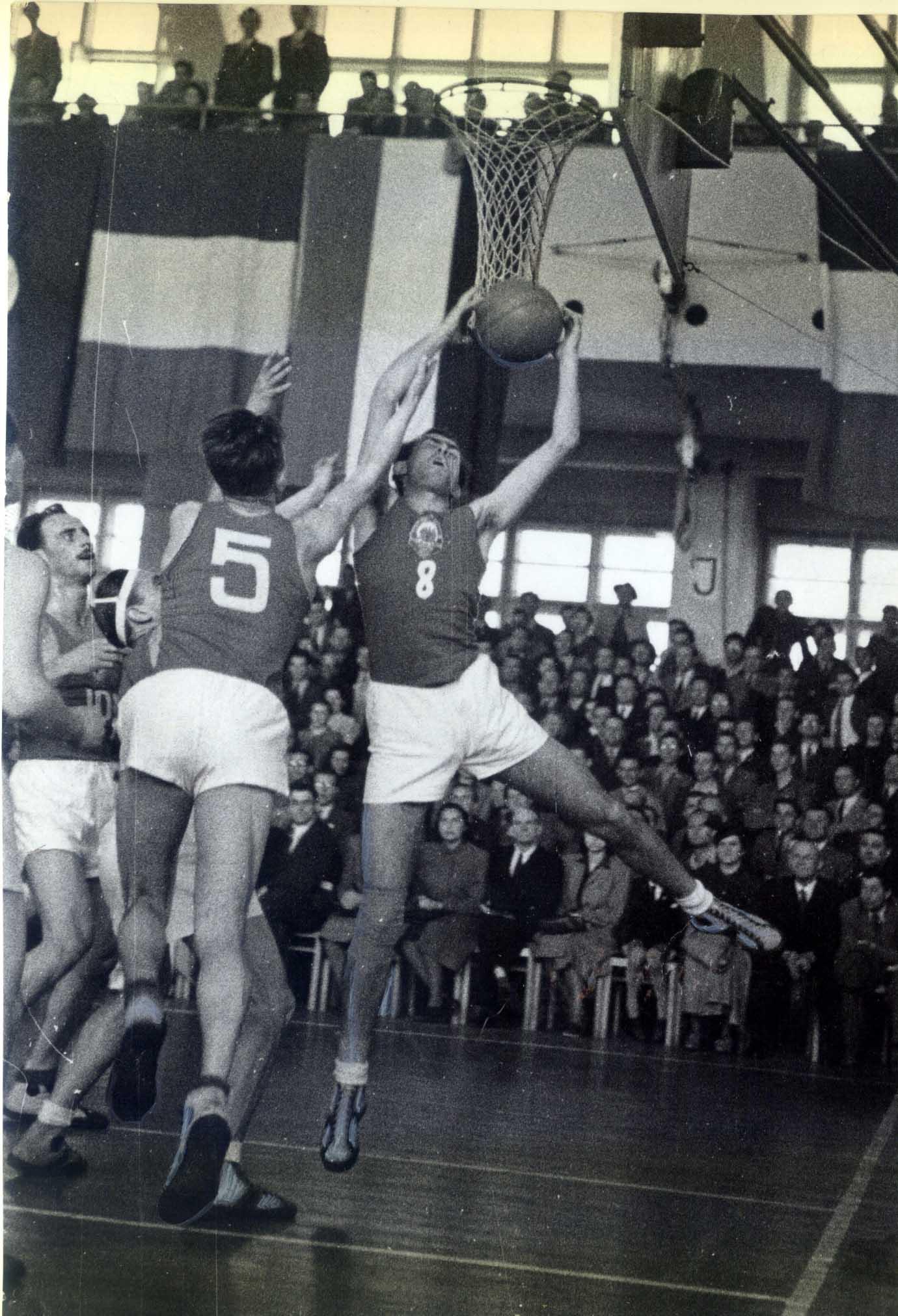 nebojsa-popovic-protiv-sssr-u-pragu-1947