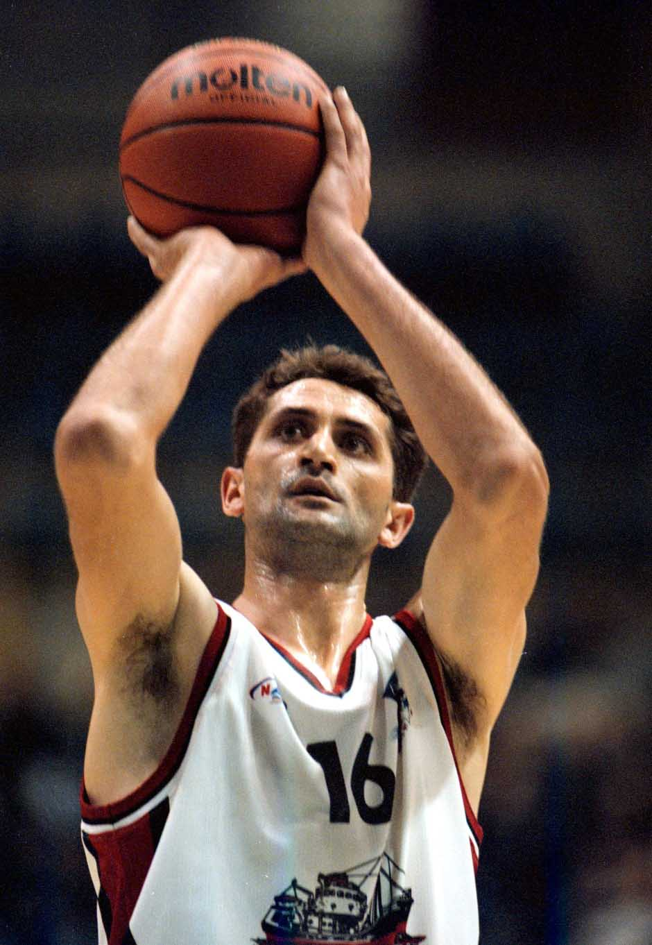 KOSARKA - Mijailo Grusanovic, kosarkas Iva Zorka Farme, na All - star mecu Plavi - Beli. BGD, 27.12.1997. snimio:N.Parausic